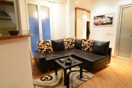 Three Bedroom Apartment Student lux Belgrade Center