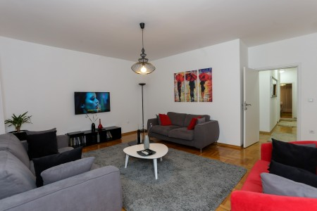 Three Bedroom Apartment Crveni krst Belgrade Vracar