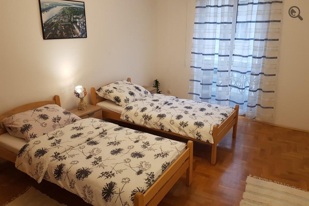 Stan , Beograd (grad) , Kratkoročno izdavanje | Trosoban Apartman Cat Beograd Centar