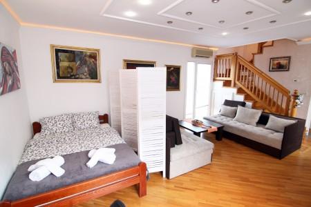 Trosoban Apartman Art 1 Beograd Centar