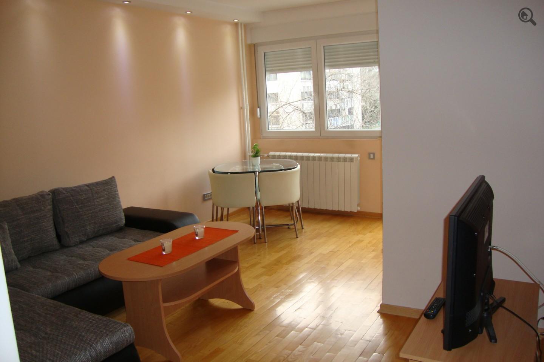 Stan , Beograd (grad) , Kratkoročno izdavanje | Dvosoban Apartman Simin Beograd Novi Beograd