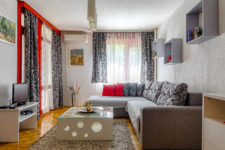 Two Bedroom Apartment Oaza Mira Belgrade Vozdovac