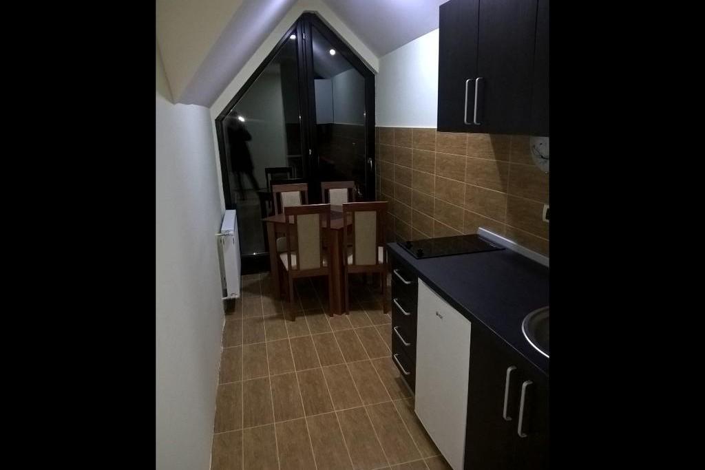 Stan , Beograd (grad) , Kratkoročno izdavanje | Dvosoban Apartman Vidić 5 Zlatibor Planina Autobuska Stanica