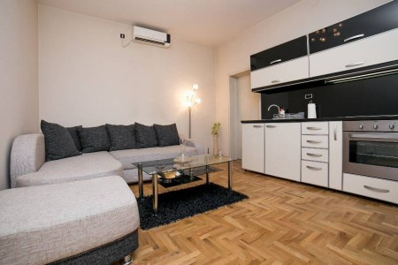 Two Bedroom Apartment Višegradska Belgrade Savski Venac