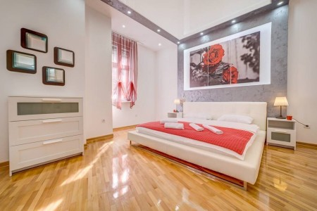 Two Bedroom Apartment Urban Oassis Belgrade Center