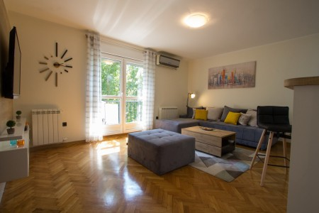 Two Bedroom Apartment Azzuro Belgrade Center