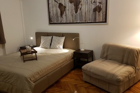 One Bedroom Apartment 1929 Belgrade Vracar