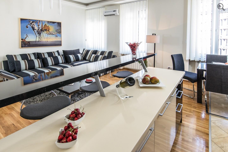 Stan , Beograd (grad) , Kratkoročno izdavanje | Trosoban Apartman Rakoč A22 Beograd Centar