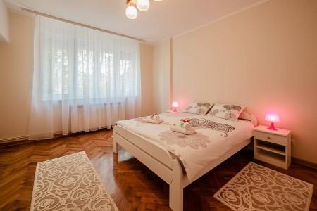 Three Bedroom Apartment Fortuna Belgrade Center