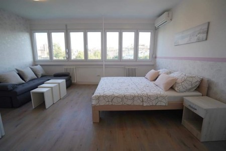 Studio Apartment Paku 2 Belgrade New Belgrade
