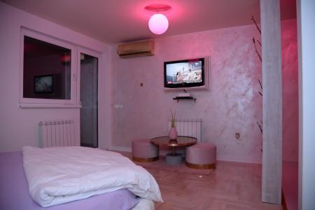 apartments beograd zemun apartment pinkygold6
