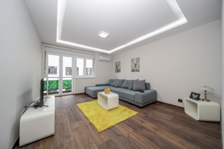 Three Bedroom Apartment Crown Downtown Belgrade Vračar