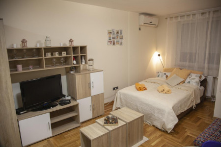 Studio Apartment Vas Raj 2 Novi Sad Rotkvarija
