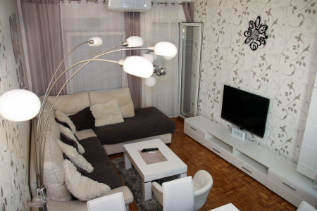 Two Bedroom Apartment Madea 2 Novi Sad