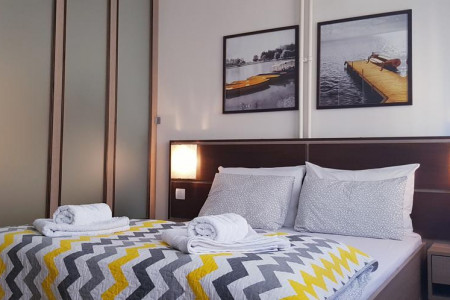 apartments novi sad stari grad apartment yellow flower19