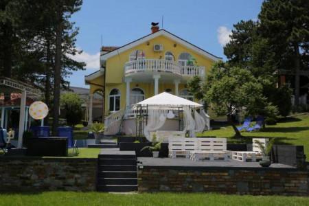 apartmani beograd centar apartman vila danube lux sa bazenom na obali dunava3