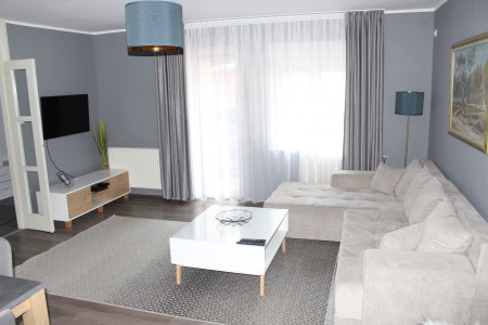 Three Bedroom Apartment 75 Novi Sad Podbara