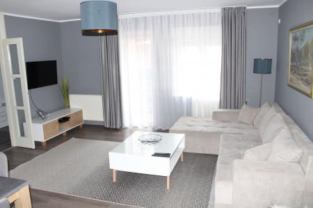 Trosoban Apartman 75 Novi Sad Podbara