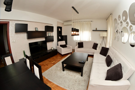 Three Bedroom Apartment Homerent White Novi Sad Salajka
