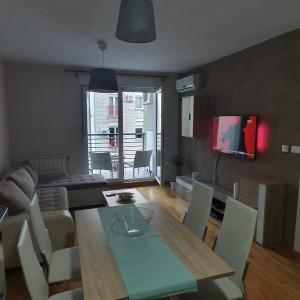 Two Bedroom Apartment Homerent 48 Novi Sad Stari Grad