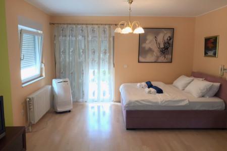 Two Bedroom Apartment Pool Apartman Novi Sad Petrovaradin