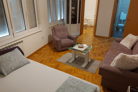 Studio Apartment Eny Belgrade Cerak