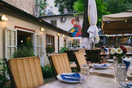 dvoriste belgrade restaurants centar4