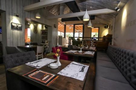 tanker pub restaurant restorani beograd centar