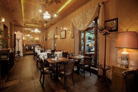 restaurant little paris belgrade restaurants vracar