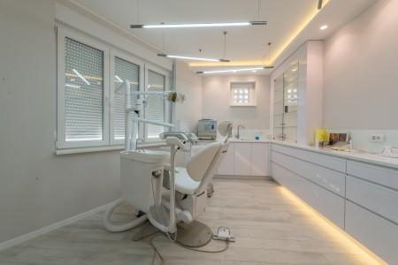 dr milan mamuzic dentist belgrade centar
