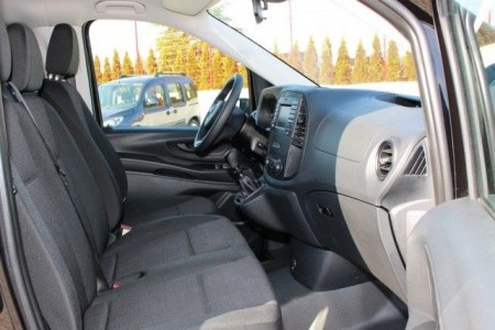 royal transfers limo services vozdovac5