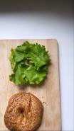 Бейгл с тунцом - фото приготовления рецепта шаг 3