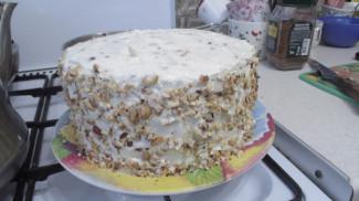 Торт с черносливом и сметанным кремом - фото приготовления рецепта шаг 7