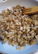 Суп с фасолью и грибами - фото приготовления рецепта шаг 2