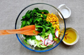 Салат из шпината и сельдерея - фото приготовления рецепта шаг 6