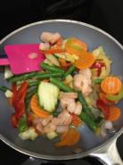 Овощи с креветками - фото приготовления рецепта шаг 1