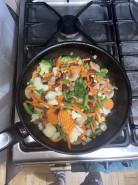 Рагу из замороженных овощей 🥦 - фото приготовления рецепта шаг 2