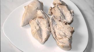 Салат из куриной грудки и шампиньонов - фото приготовления рецепта шаг 1