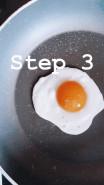 Бейгл с авокадо и яйцом - фото приготовления рецепта шаг 4