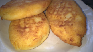 Картофельники (зразы) с квашеной капустой (по бабушкиному рецепту) - фото приготовления рецепта шаг 9