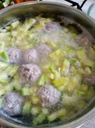 Суп с фрикадельками и кабачками - фото приготовления рецепта шаг 5