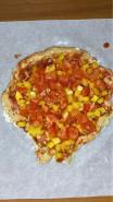 Пицца без сыра, без дрожжей на тесте из ржаной муки - фото приготовления рецепта шаг 10