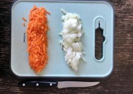 Суп из консервированной фасоли в томатном соусе - фото приготовления рецепта шаг 1