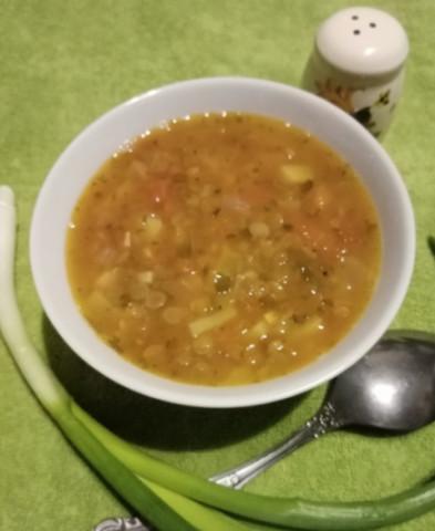 Чечевичный суп с томатами