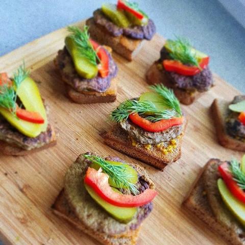 Бутерброды с печеночными оладушками
