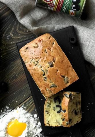 Кекс с маслинами
