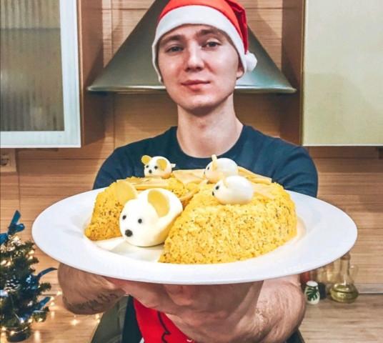"""Салат """"Мышки в сыре"""""""