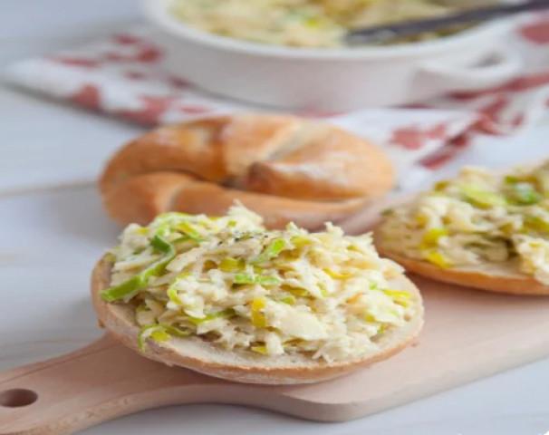 Сырная паста с чесноком для бутербродов