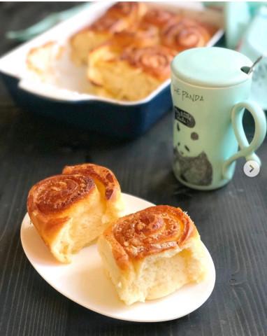 Нежные булочки-улитки с молочной заливкой