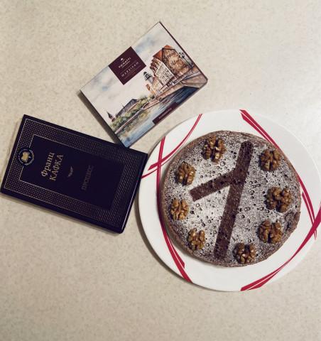 Бисквит с шоколадом и орехами